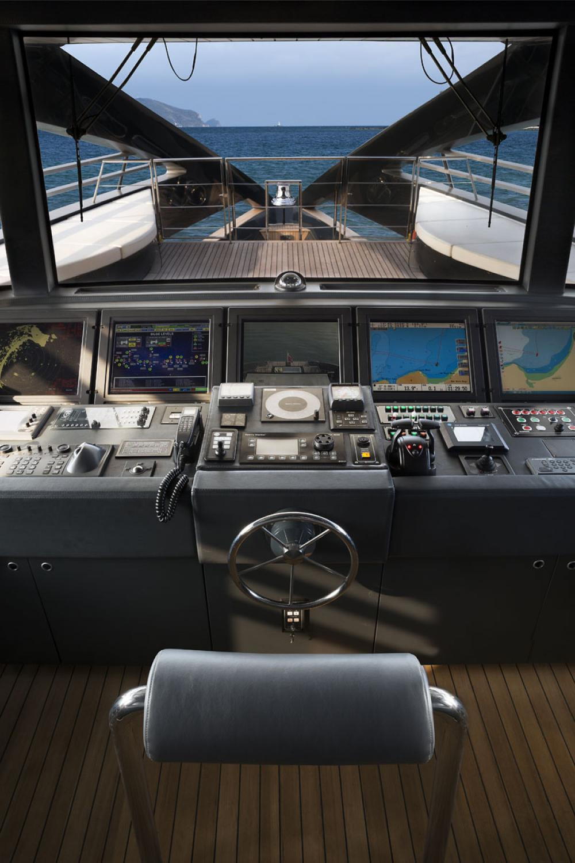 OCEAN EMERALD - Luxury Motor Yacht For Sale - BRIDGE - Img 1 | C&N
