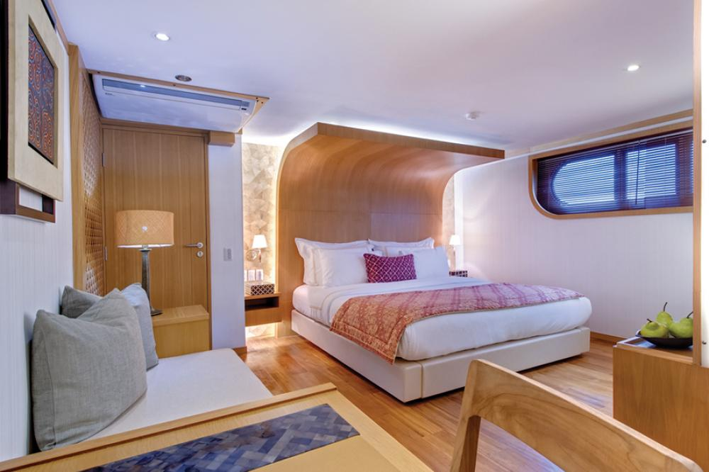 SALILA - Luxury Motor Yacht For Charter - 2 MASTER CABINS | 4 DOUBLE CABINS | 4 TWIN CABINS - Img 1 | C&N