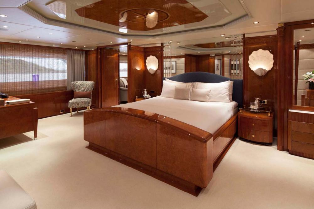 STARFIRE - Luxury Motor Yacht For Charter - Master Suite - Img 1 | C&N