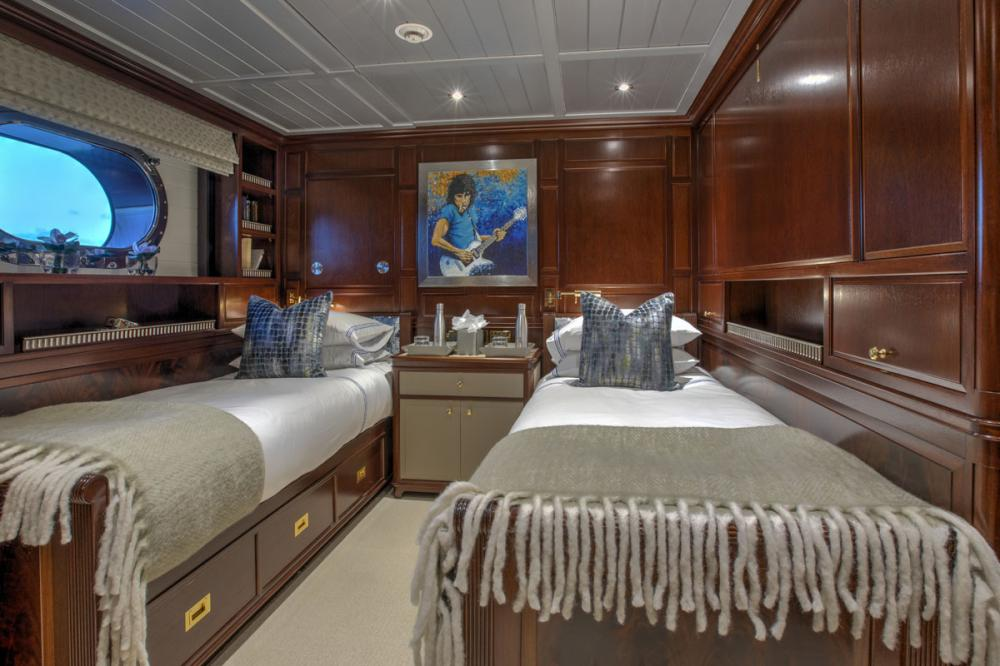 BLUSH - Luxury Sailing Yacht For Charter - 2 CONVERTIBLE CABINS - Img 1   C&N