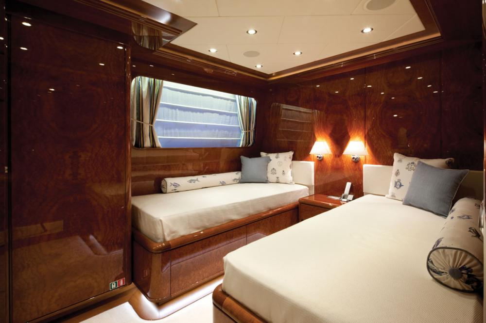 BARON TRENCK - Luxury Motor Yacht For Charter - 3 TWIN CABINS - Img 2 | C&N