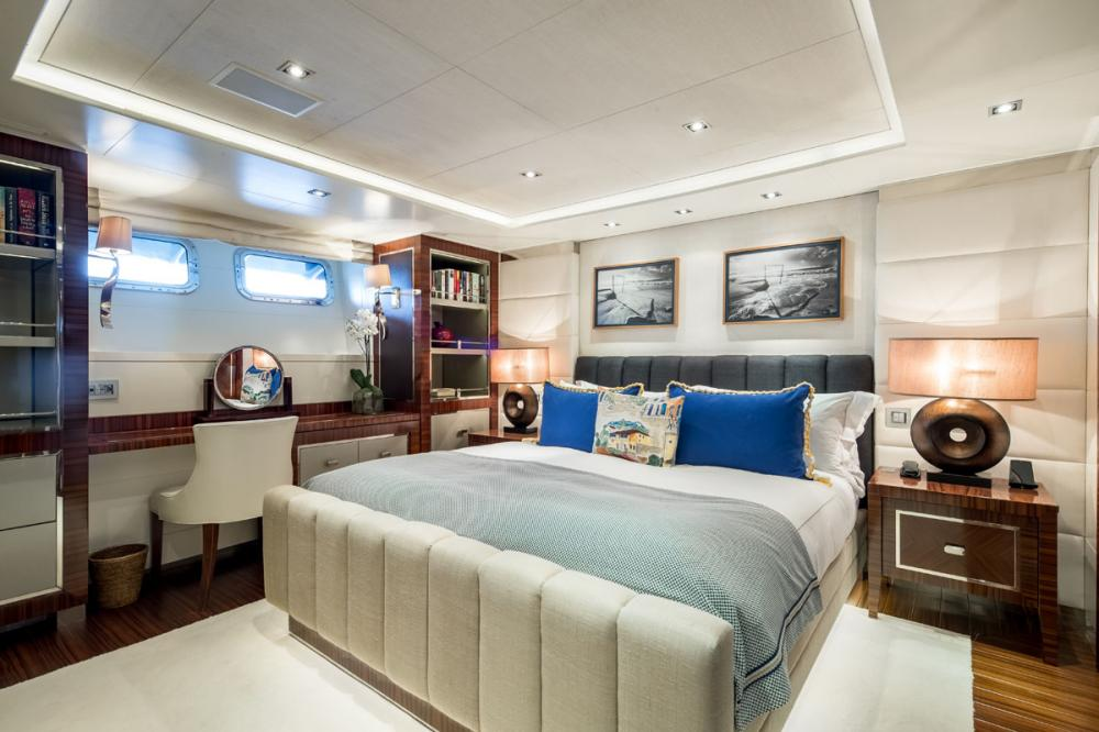 CLICIA - Luxury Motor Yacht For Sale - 2 DOUBLE CABINS - Img 2   C&N
