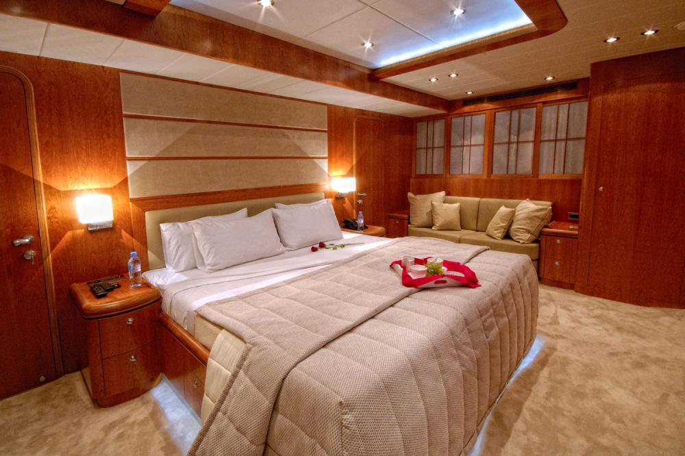 ANNABEL II - Luxury Motor Yacht For Sale - 2 DOUBLE CABINS - Img 1   C&N