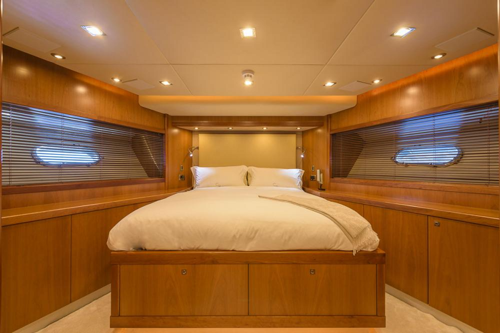 CASINO ROYALE - Luxury Motor Yacht For Charter - 1 DOUBLE CABIN - Img 1 | C&N