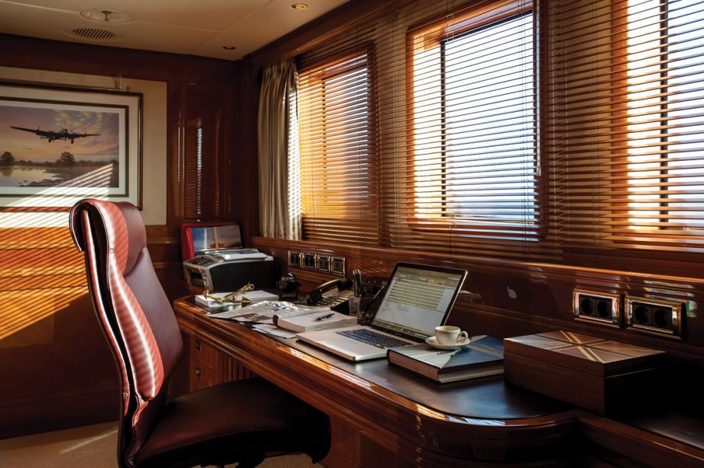 METSUYAN IV - Luxury Motor Yacht For Charter - 1 MASTER CABIN - Img 2 | C&N