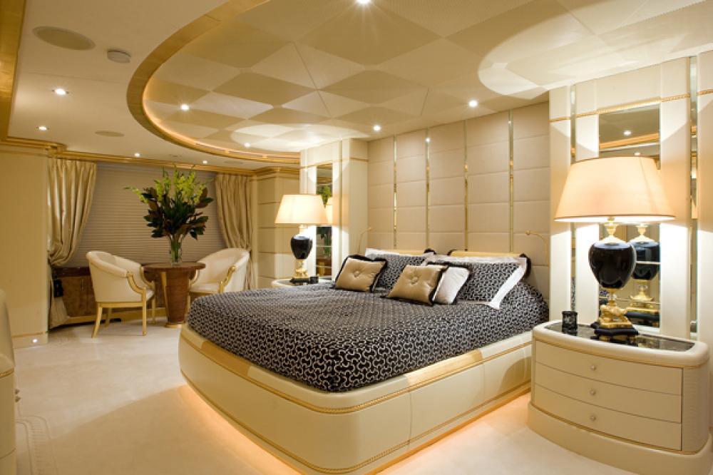 PLATINUM - Luxury Motor Yacht For Charter - Full Beam Master Suite - Img 1 | C&N