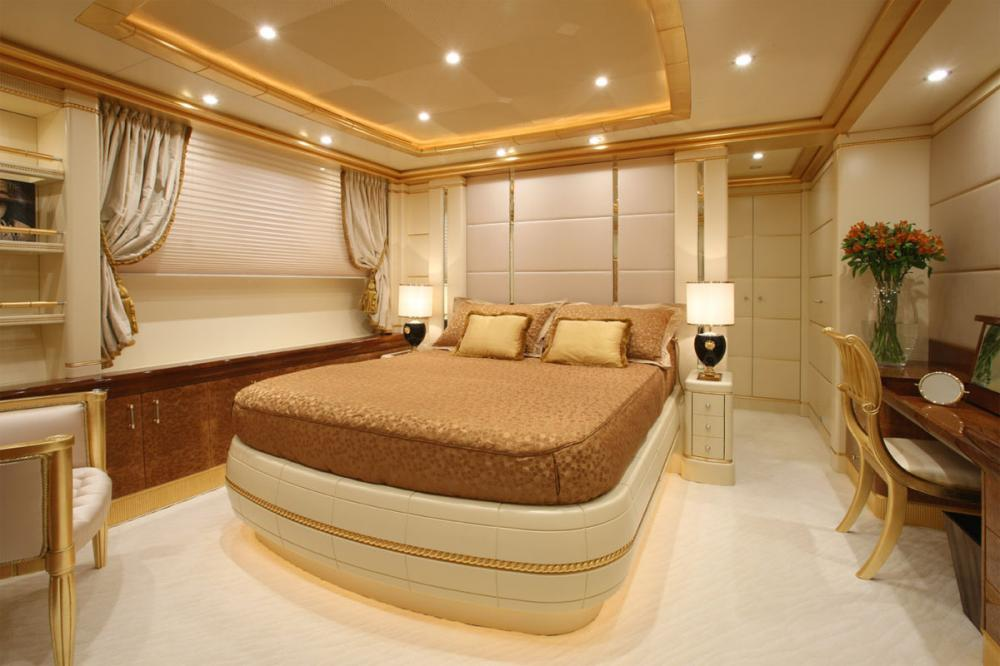 PLATINUM - Luxury Motor Yacht For Charter - Two Double Guits suites - Img 1 | C&N