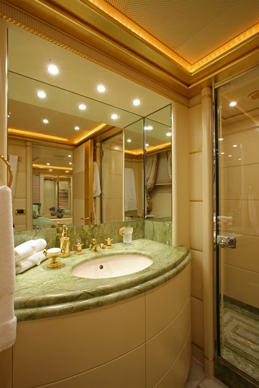 PLATINUM - Luxury Motor Yacht For Charter - Two Twin guest suites with additional pullman berth - Img 2 | C&N