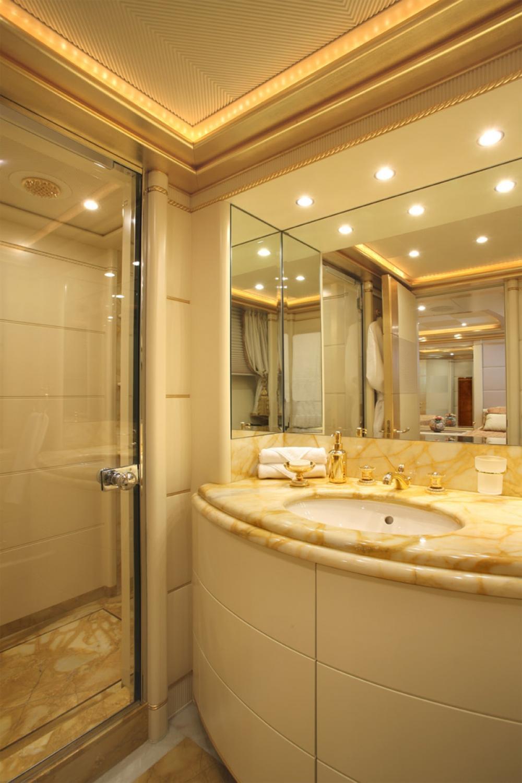 PLATINUM - Luxury Motor Yacht For Charter - Full Beam Master Suite - Img 3 | C&N