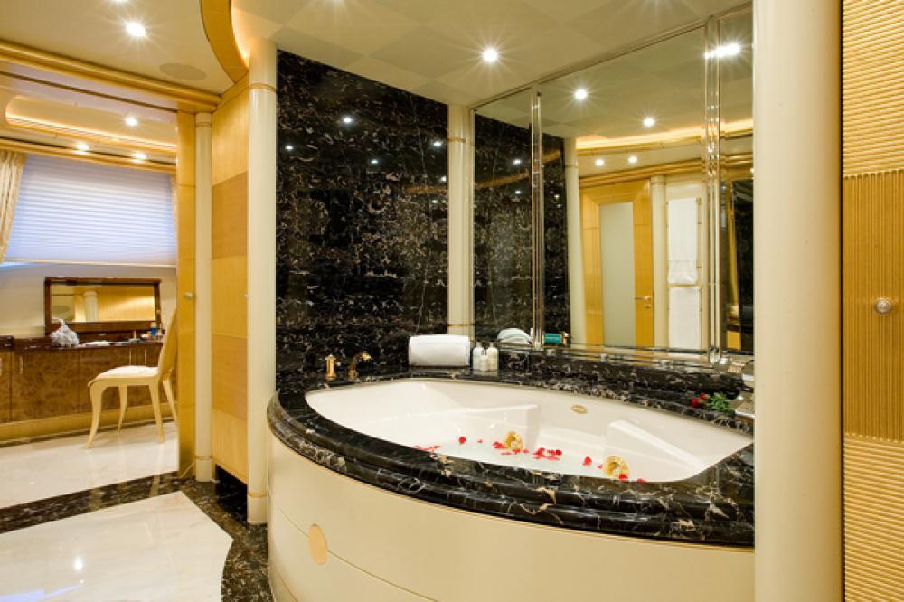 PLATINUM - Luxury Motor Yacht For Charter - Full Beam Master Suite - Img 2 | C&N