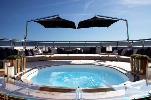 SEALYON - Luxury Motor Yacht For Charter - Exterior Design - Img 2   C&N