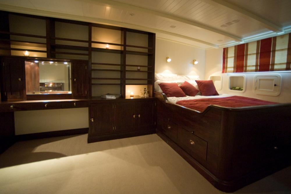 ALEXANDRIA - Luxury Motor Yacht For Sale - 4 CABINS - Img 1 | C&N