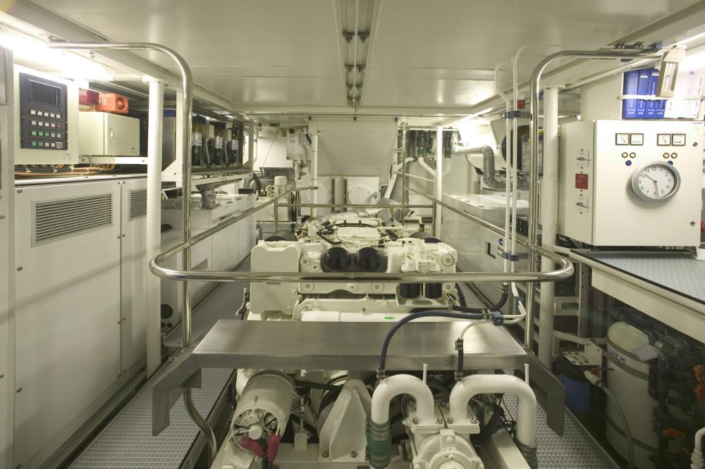 WELLENREITER - Luxury Sailing Yacht For Sale - ENGINE ROOM - Img 1   C&N