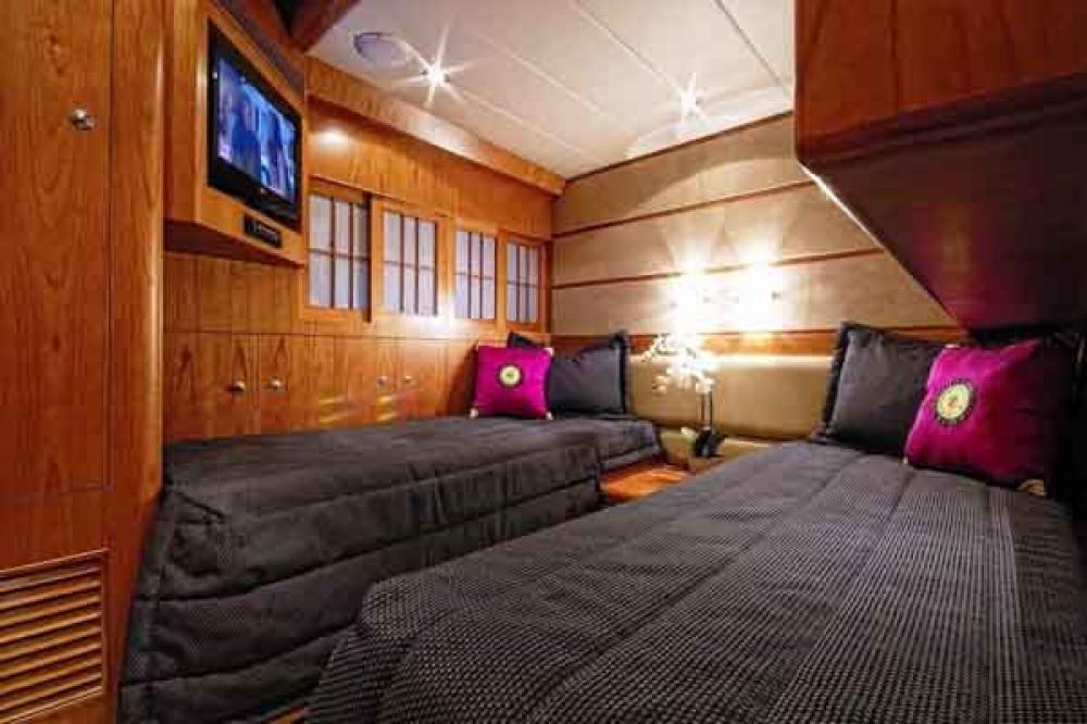 ANNABEL II - Luxury Motor Yacht For Sale - 2 TWIN CABINS - Img 1   C&N