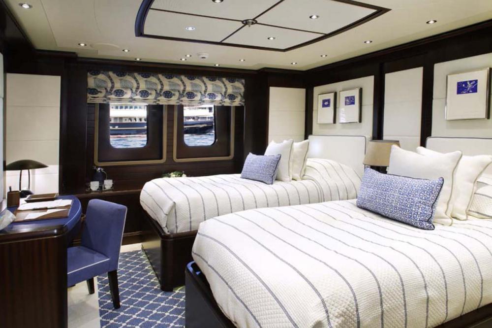 BATON ROUGE - Luxury Motor Yacht For Charter - 2 TWIN CABINS - Img 1   C&N