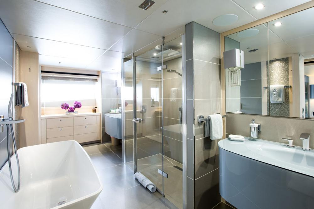 ARADOS - Luxury Motor Yacht For Charter - 1 MASTER CABIN - Img 2 | C&N