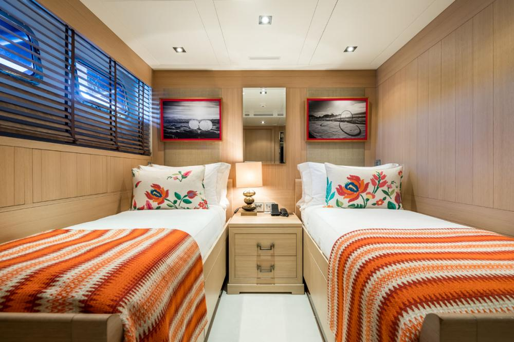 CLICIA - Luxury Motor Yacht For Sale - 2 TWIN CABINS 1 CONVERTIBLE  - Img 3   C&N