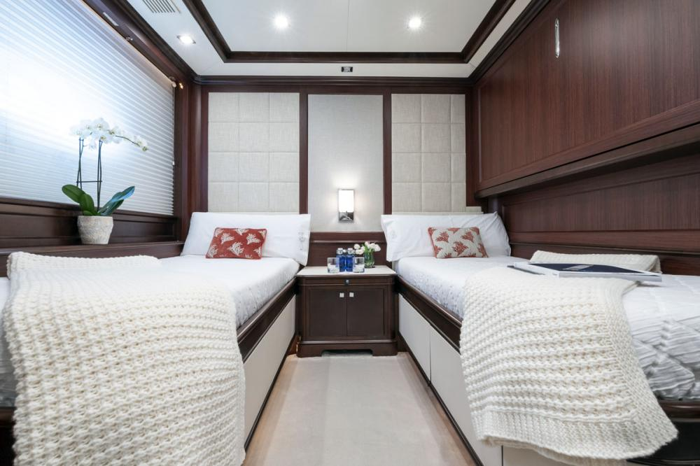 ELENA NUEVE - Luxury Motor Yacht For Charter - 2 TWIN CABINS - Img 2 | C&N