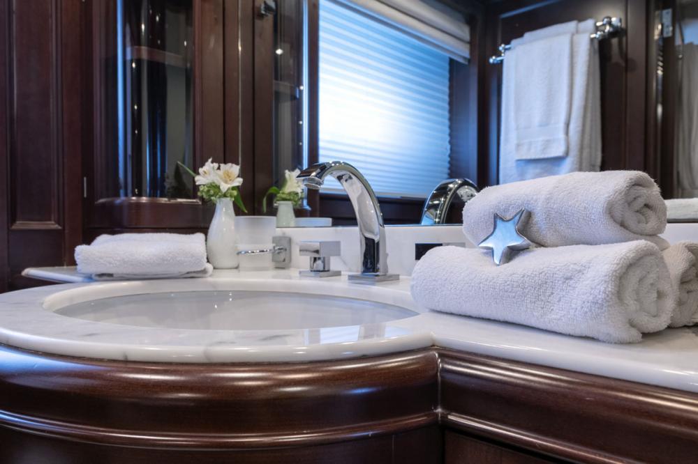 ELENA NUEVE - Luxury Motor Yacht For Charter - 2 DOUBLE CABINS - Img 3 | C&N