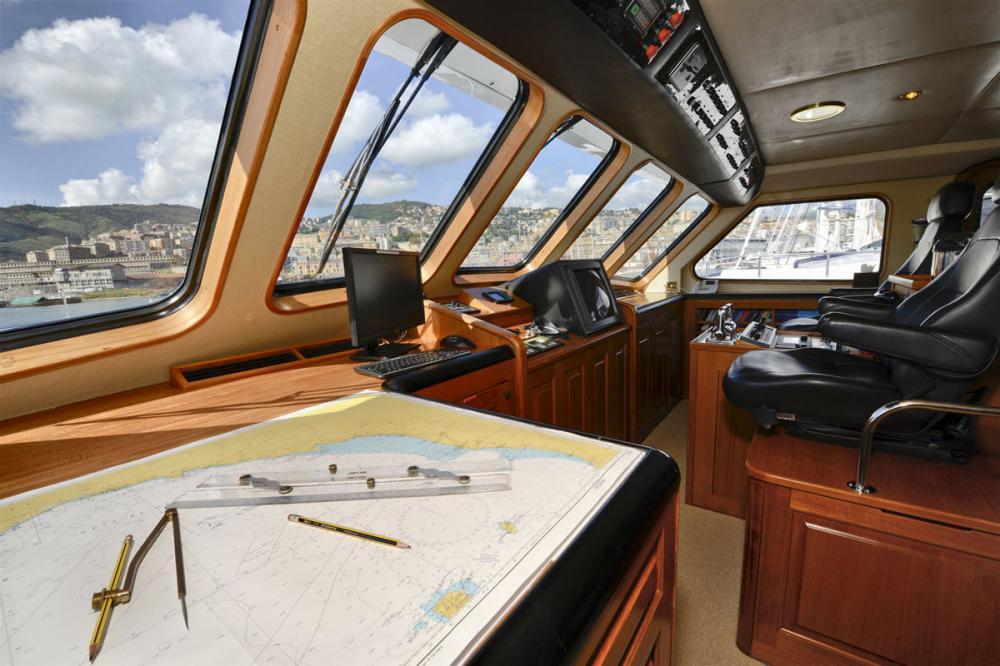 THE GOOSE - Luxury Motor Yacht For Charter - BRIDGE - Img 1 | C&N
