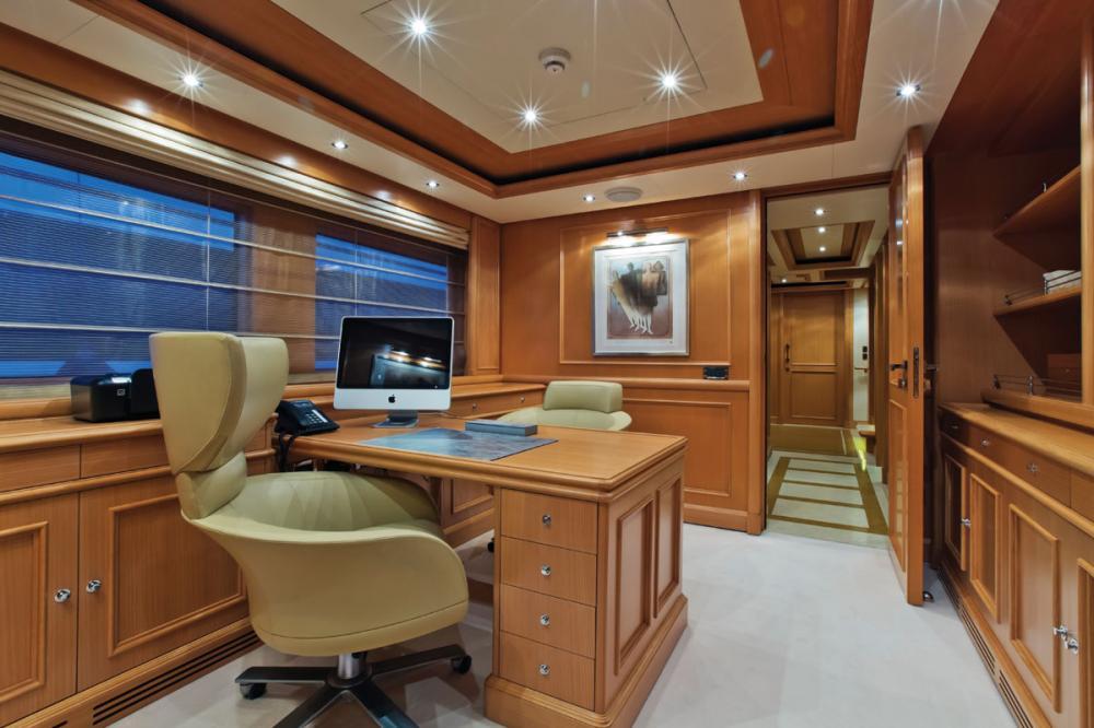 HANA - Luxury Motor Yacht For Charter - 1 MASTER CABIN - Img 4   C&N