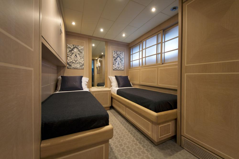 HIGH ROLLER - Luxury Motor Yacht For Sale - 1 TWIN CABIN - Img 1   C&N