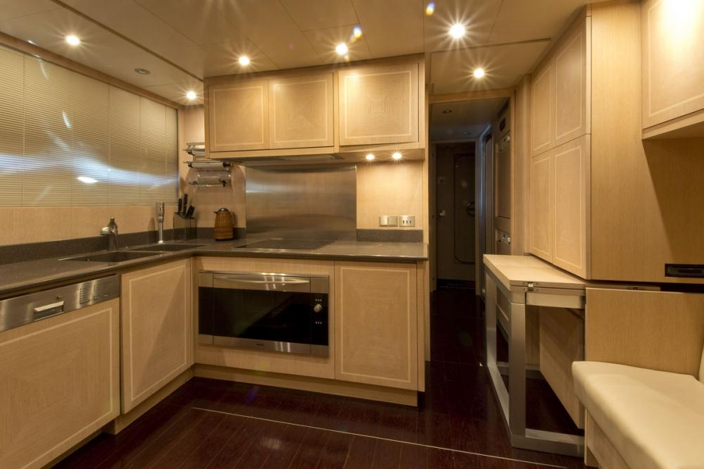 HIGH ROLLER - Luxury Motor Yacht For Sale - GALLEY - Img 1   C&N