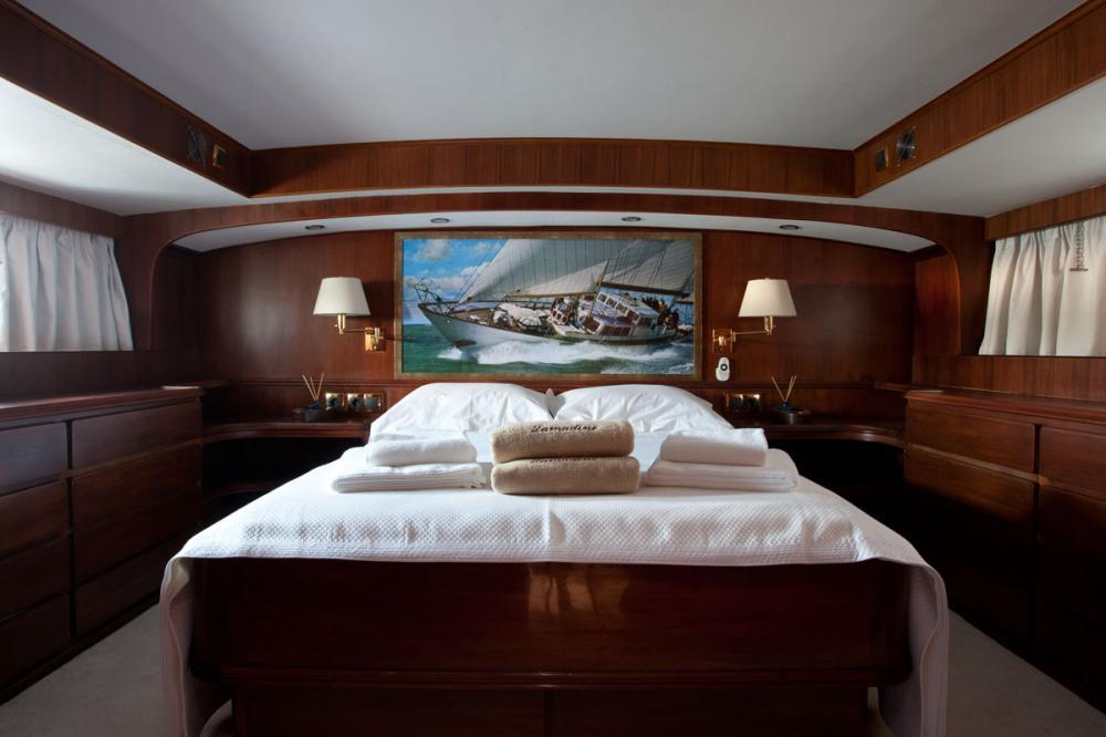 LAMADINE - Luxury Sailing Yacht For Sale - 1 MASTER CABIN - Img 1   C&N