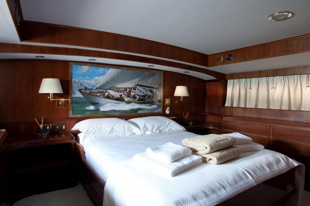 LAMADINE - Luxury Sailing Yacht For Sale - 1 MASTER CABIN - Img 2   C&N