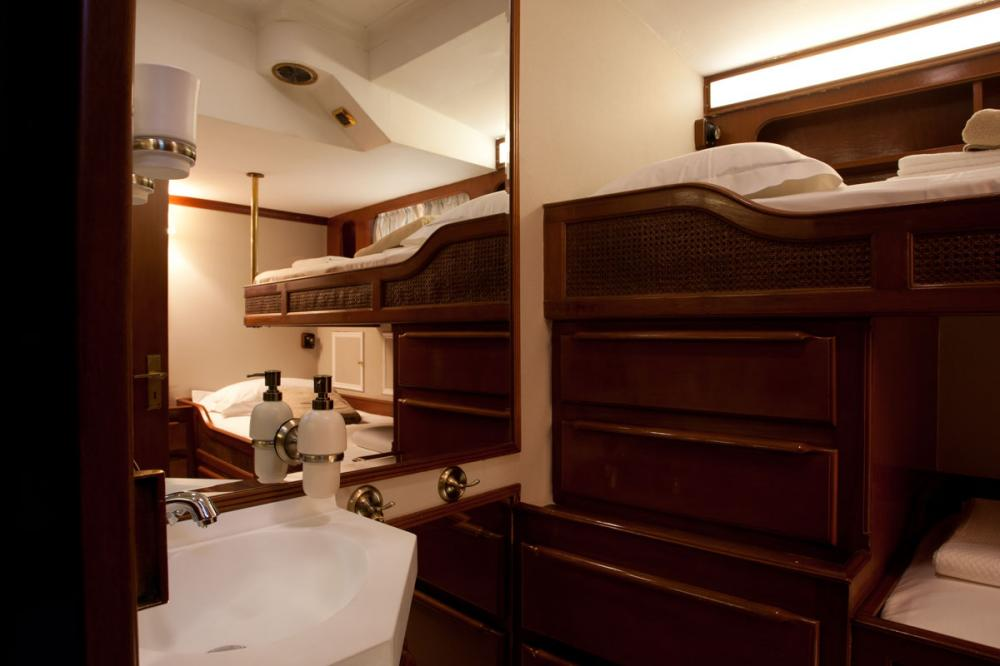 LAMADINE - Luxury Sailing Yacht For Sale - 2 GUESTS CABINS - Img 3   C&N
