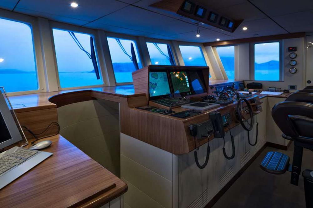 Indian - Luxury Motor Yacht For Sale - BRIDGE - Img 1 | C&N