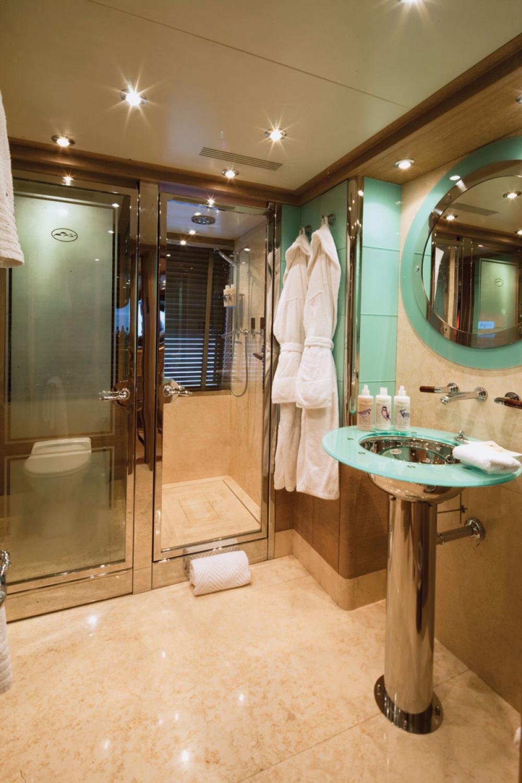 JO I - Luxury Motor Yacht For Charter - 1 CONVERTIBLE CABIN - Img 2 | C&N