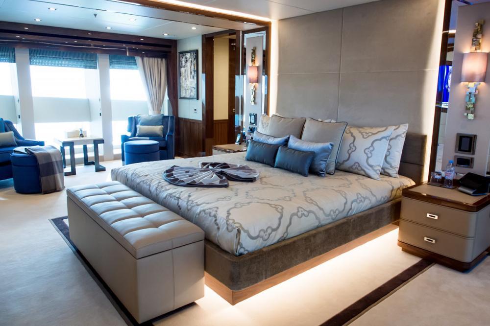 PRINCESS AVK - Luxury Motor Yacht For Charter - 1 MASTER CABIN - Img 1 | C&N