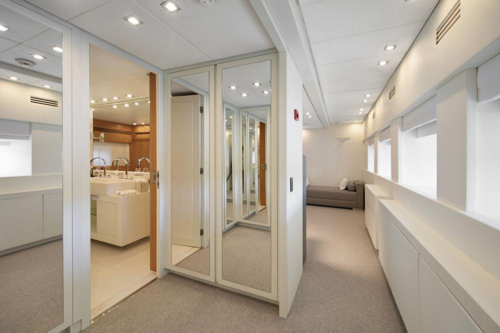 PURE ONE - Luxury Motor Yacht For Sale - 1 MASTER CABIN - Img 3 | C&N