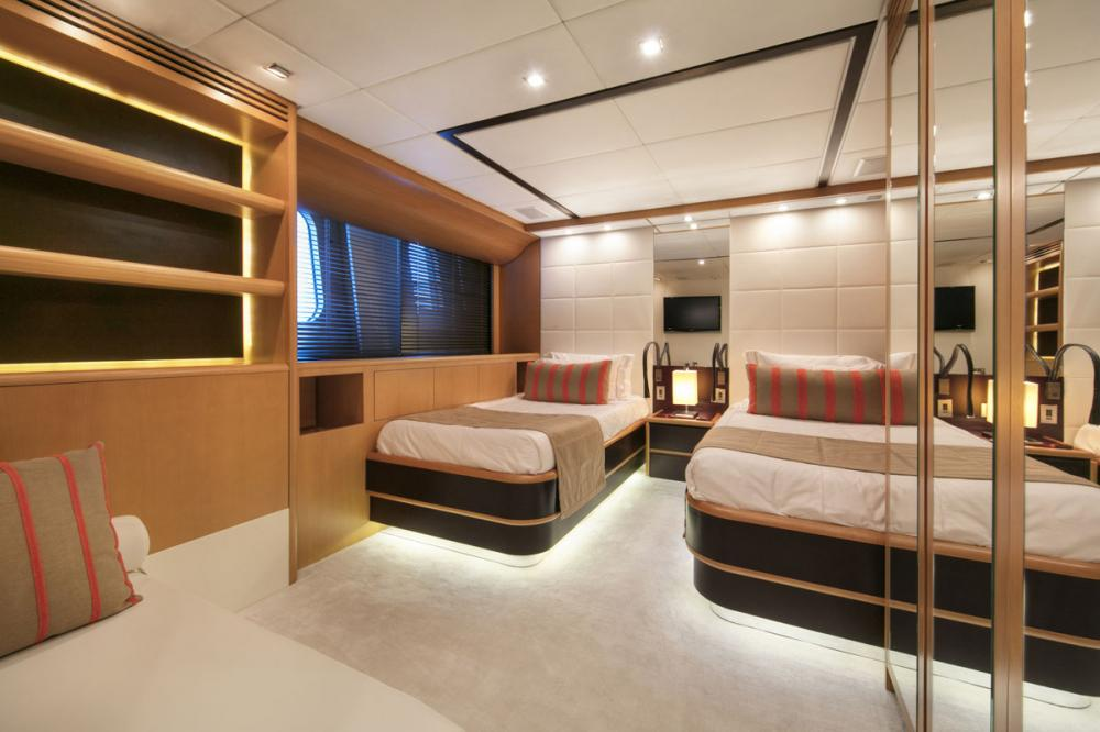 PURE ONE - Luxury Motor Yacht For Sale - 2 TWIN CABINS - Img 2 | C&N