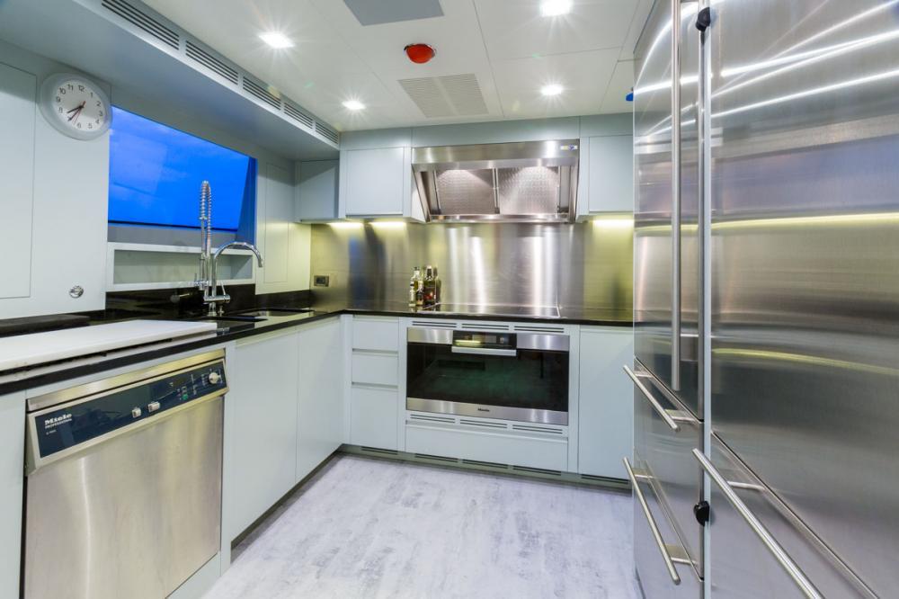 EDESIA - Luxury Motor Yacht For Sale - GALLEY - Img 1 | C&N