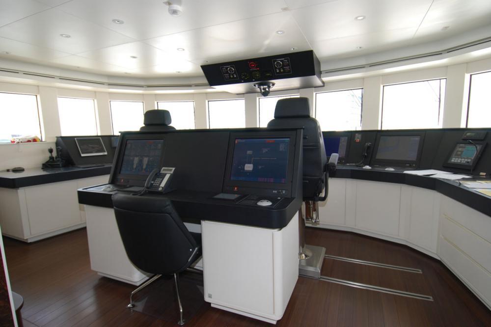 ROMA - Luxury Motor Yacht For Charter - BRIDGE - Img 3 | C&N