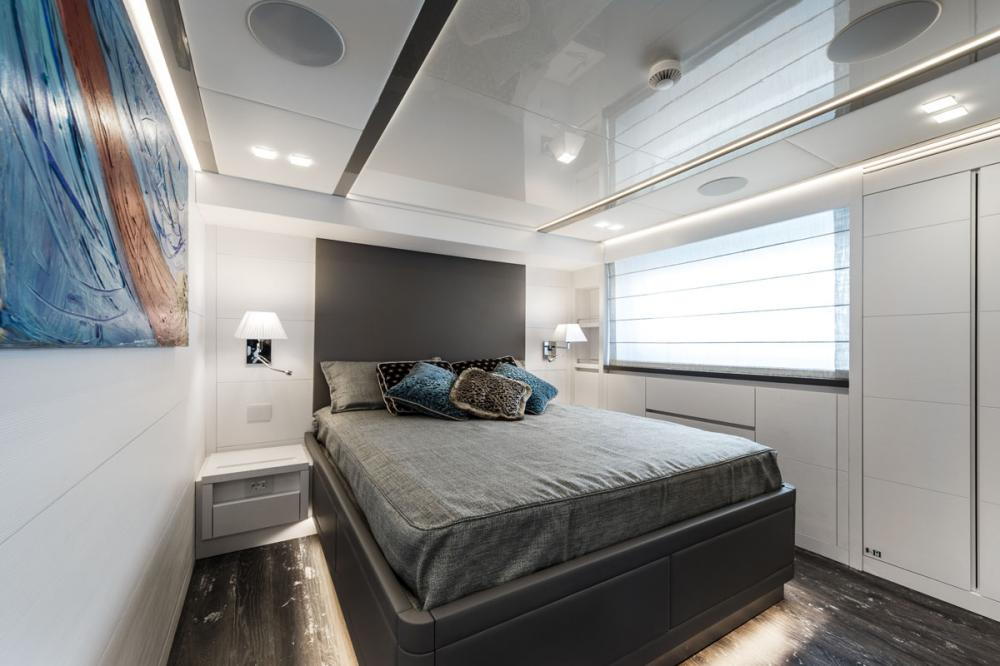 SANDS - Luxury Motor Yacht For Charter - 2 MASTER CABINS - Img 1 | C&N