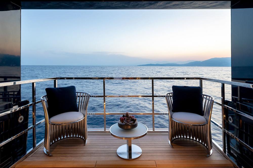 SARASTAR - Luxury Motor Yacht For Sale - 1 MASTER CABIN - Img 4 | C&N
