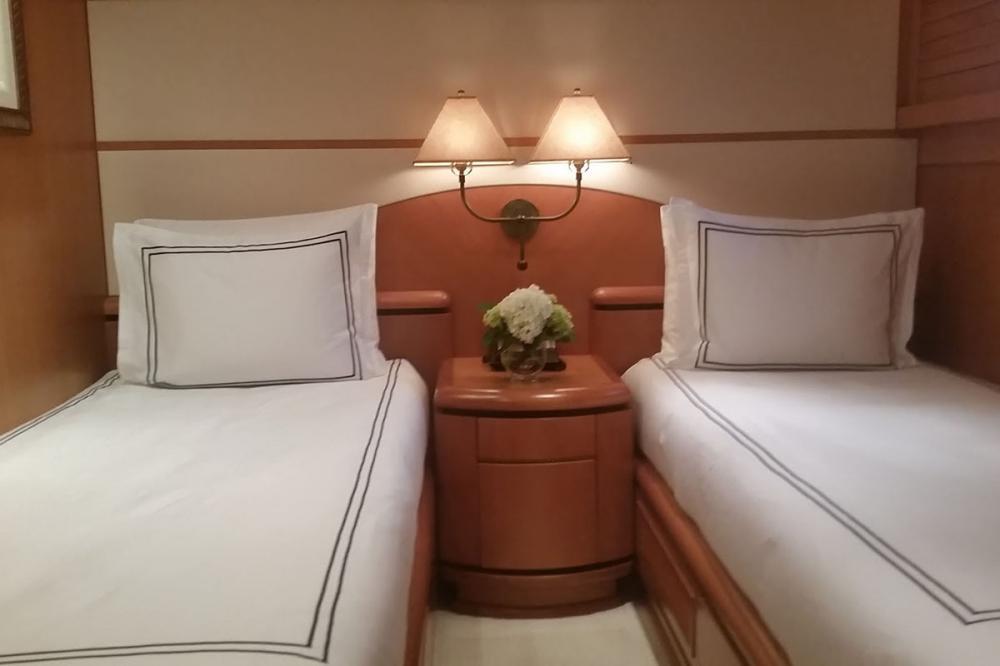SAVANNAH - Luxury Motor Yacht For Charter - 2 TWIN CABINS - Img 1   C&N