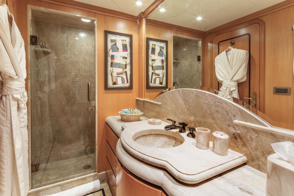 SAVANNAH - Luxury Motor Yacht For Charter - 2 DOUBLE CABINS - Img 2   C&N