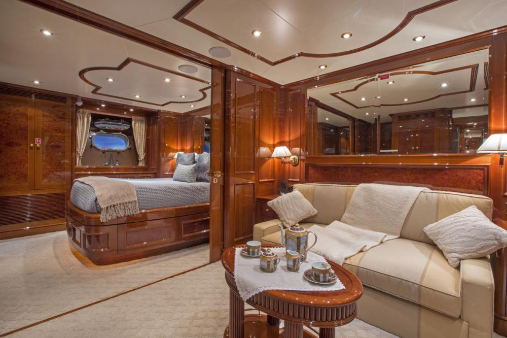 SIETE - Luxury Motor Yacht For Charter - 1 VIP Cabin convertable to 2 queens - Img 1 | C&N