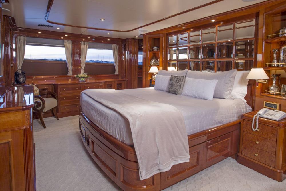 SIETE - Luxury Motor Yacht For Charter - 1 MASTER CABIN - Img 1 | C&N