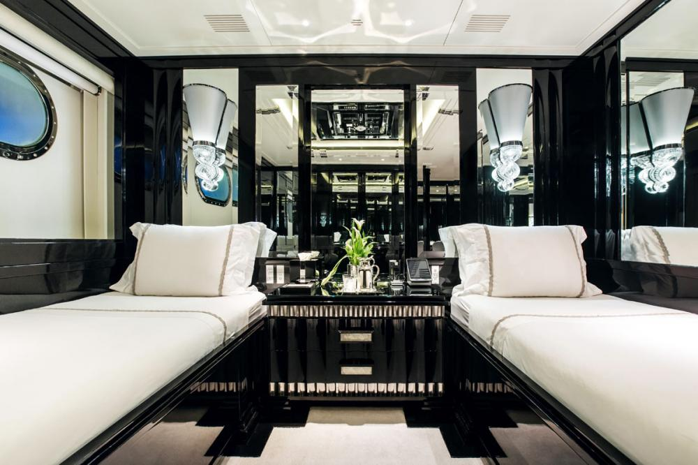 SILVER ANGEL - Luxury Motor Yacht For Charter - 2 TWIN CABINS - Img 1   C&N