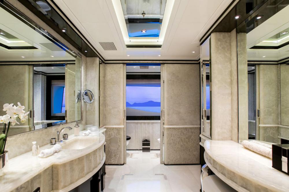 SILVER ANGEL - Luxury Motor Yacht For Charter - 1 MASTER CABIN - Img 3   C&N