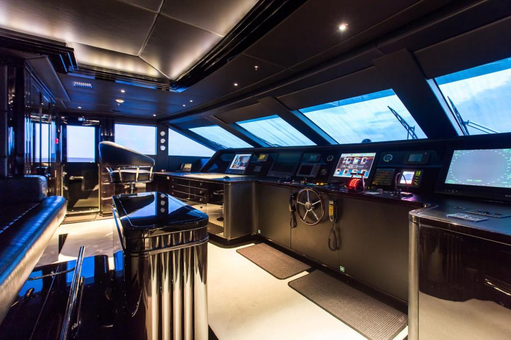 SILVER ANGEL - Luxury Motor Yacht For Charter - BRIDGE - Img 1   C&N