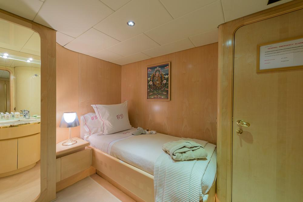 CD TWO - Luxury Motor Yacht For Sale - 3 TWIN CABINS - Img 2 | C&N