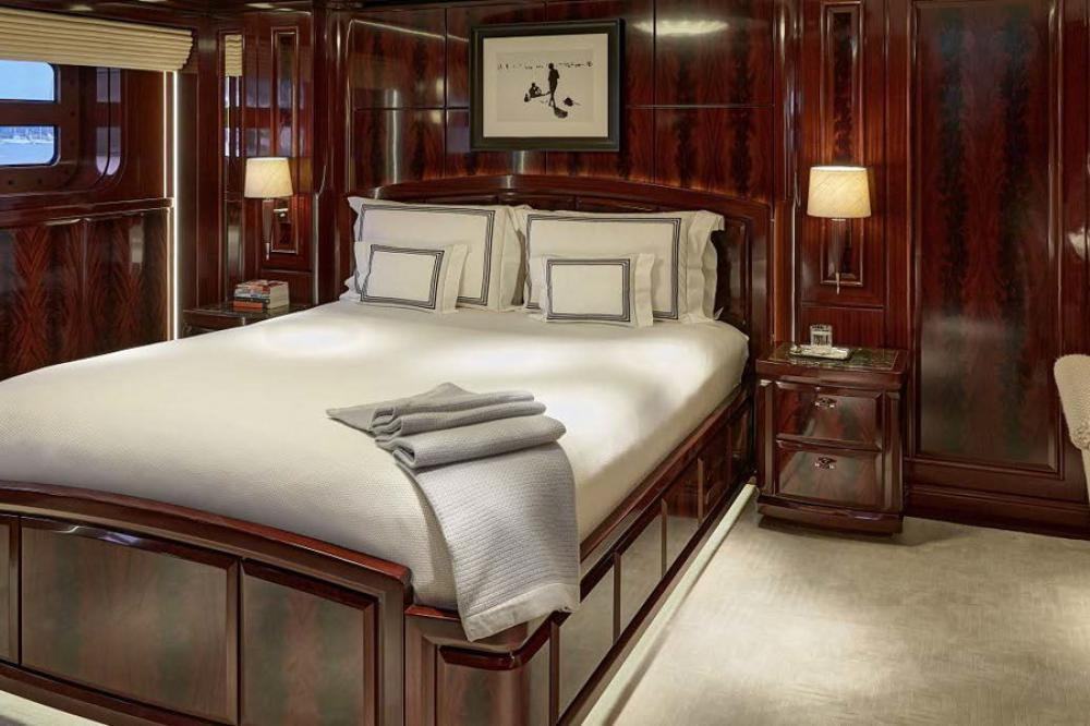 ROCK.IT - Luxury Motor Yacht For Charter - Double Cabin with queen sized bed - Img 1 | C&N