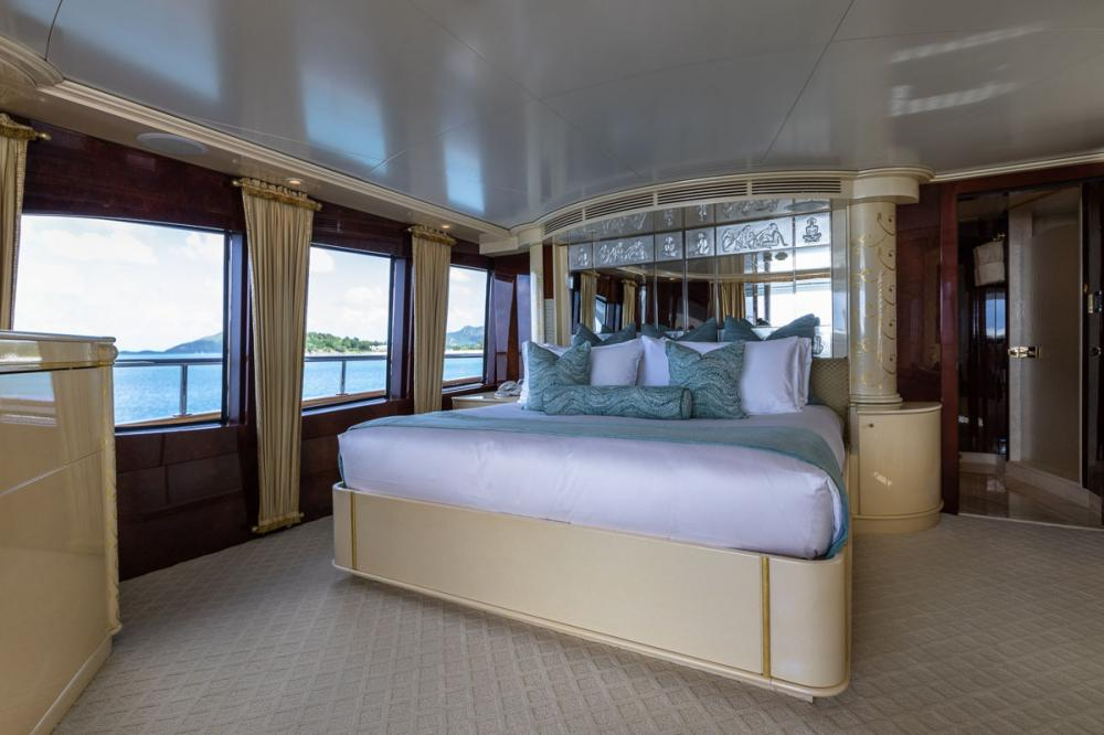 TOUCH - Luxury Motor Yacht For Charter - 1 MASTER CABIN - Img 2 | C&N