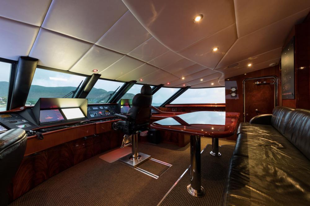 TOUCH - Luxury Motor Yacht For Charter - BRIDGE - Img 1 | C&N